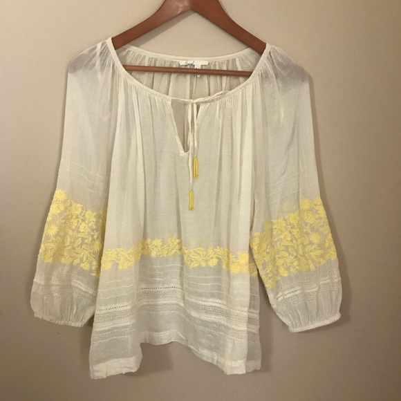 Anthropologie Tops - Anthropologie Medium Embroidered Top Like New